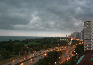 chicago weather thunderstorms and tornados Weather In Chicago